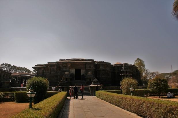 Hoyshaleswara Temple, Halebid